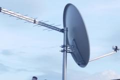 Λήψη επίγειου και δορυφορικού σήματος με χρήση ενός στύλου