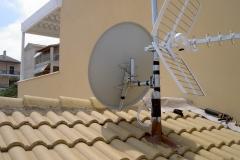 Τηλεοπτική εγκατάσταση επίγειου & δορυφορικού σήματος πάνω σε σκεπή, και στεγανοποίηση